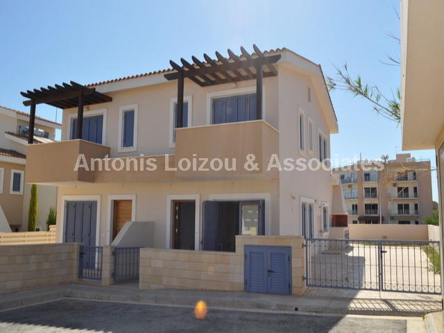 Semi Villa in Famagusta (Ayia Triada) for sale