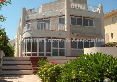 Detached Villa in Famagusta (Ayia Triada) for sale