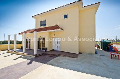 Detached House in Famagusta (Liopetri) for sale