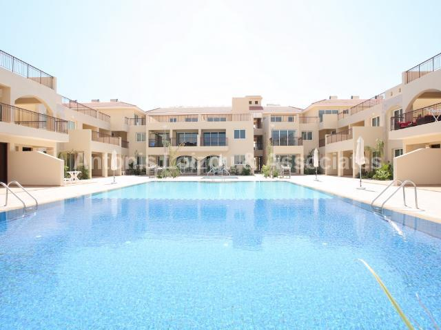 Two Bedroom Apartment with Communal Pool
