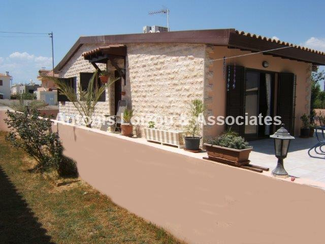 Bungalow in Larnaca (Livadia) for sale
