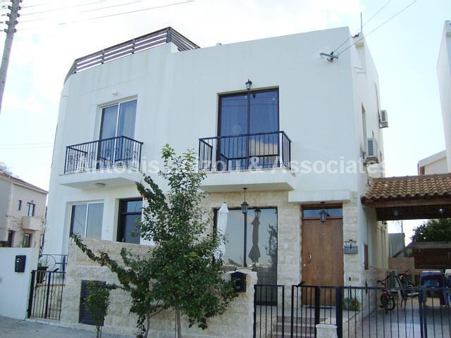 Semi House in Larnaca (Krasas) for sale