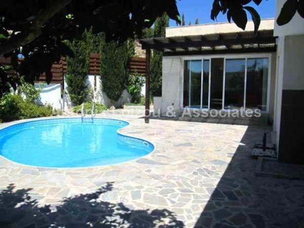 Detached Bungalo in Limassol (Pissouri) for sale