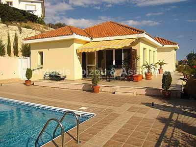 Bungalow in Limassol (Pissouri) for sale