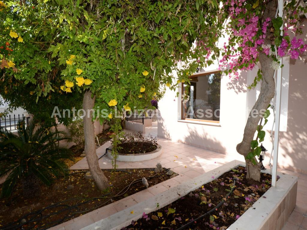 Detached House in Nicosia (Strovolos) for sale