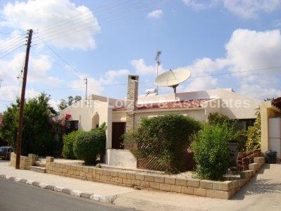 Bungalow in Paphos (Agia Marinouda) for sale