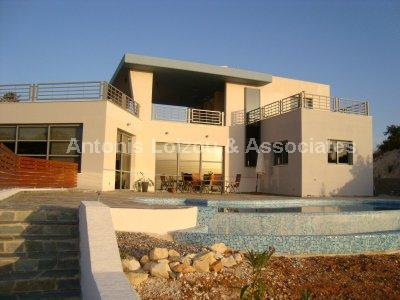 Detached House in Paphos (Mesa Chorio) for sale