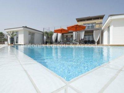 Detached Villa in Paphos (Sea Caves) for sale